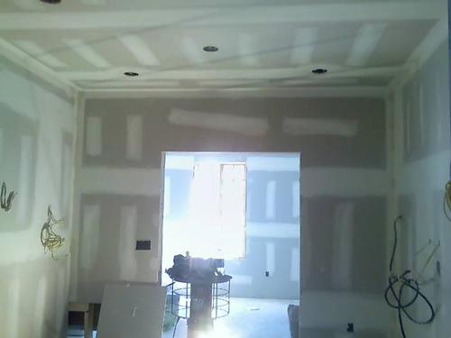 Spušteni plafon od gips-kartonskih ploča