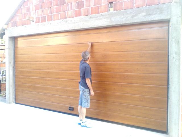 Garažna vrata-zlatni hrast-Mirijevo