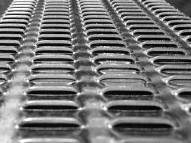 Perforacija-džepasti otvori za sita i separatore