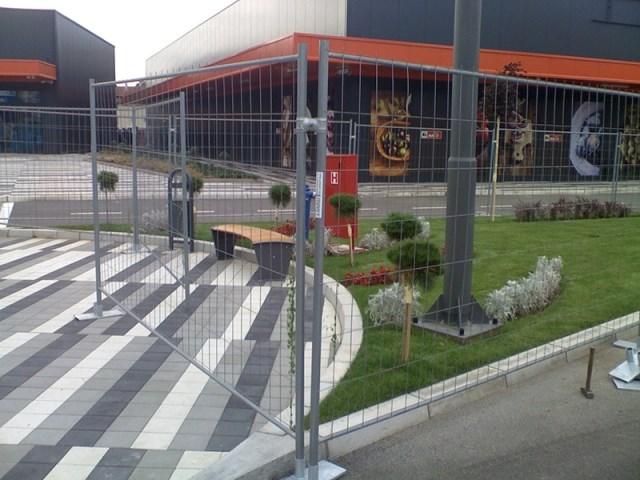 """Projekat u Jagodini, Srbija - oprema: zaštitne ograde SCHAKE - mobilna ograda  """"Leicht"""" 3,5 x 2,0 m"""