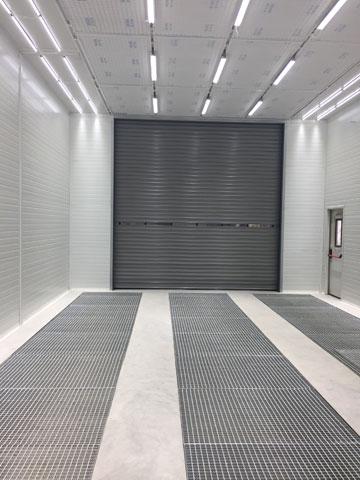 Kombinovana kabina za farbanje i sušenje tečnih premaza sa rolo vratima