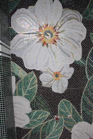 Kupatilo obložeon mozaikom