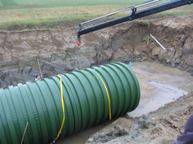 Rezervoari za ukop-Spuštanje u jamu