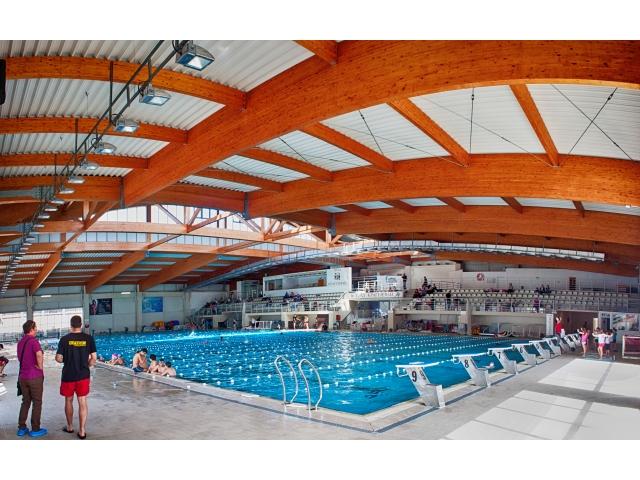 Krovna konstrukcija zatvorenog bazena - Kragujevac - (raspon 53 m)