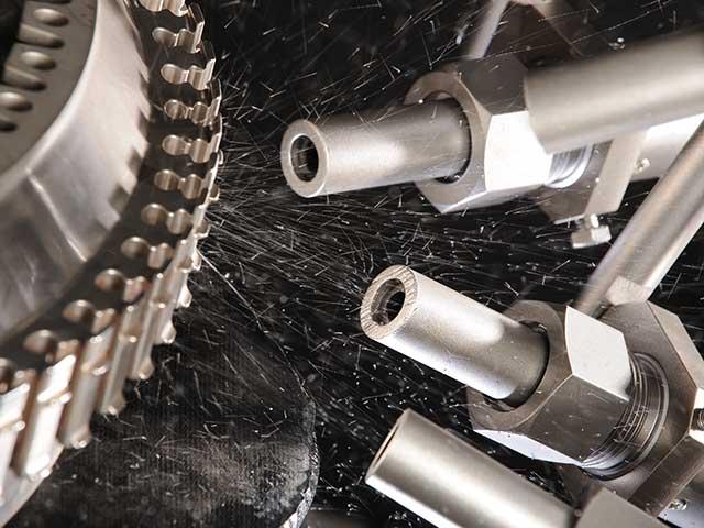 Rösler Shot Blasting sistemi nude vam gotovo neograničene mogućnosti u oblasti brušenja, peskarenja, uklanjanja rđe, matiranja, uglačavanja, obrade ivica i sačmarenja.