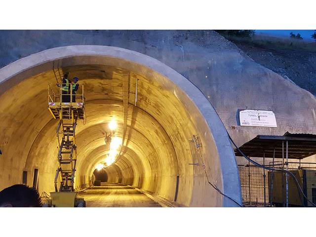 Izrada i montaža nosača elektronskih znakova u tunelu Šarani na auto-putu Ljig-Preljina na Koridoru 11
