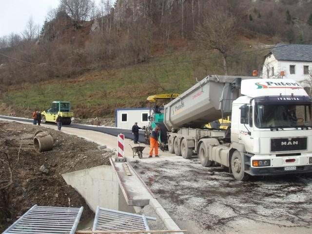 Rekonstrukcija državnog puta IIa reda br. 194, deonica sa mostom u naselju Močioci