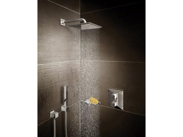 Grohe – Allure Brilliant - Poput dijamanta. Oštre ravni, intrigantni uglovi i izražajni detalji - Allure Brilliant ilustruje apsolutnu preciznost koja se jedino može postići kroz godine iskustva i nepokolebljivu strast za inovacijama. Komplikovano bez komplikovanja, slavina koja daje novu dimenziju dizajniranju kupatila, i novu dimenziju vode.