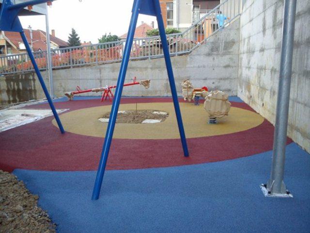 Gumena podloga za dečije igralište