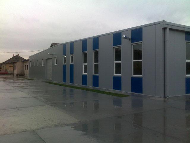 Proizvodni pogon 8. mart Novi Kneževac - fasaderski i krovopokrivački radovi sa sendvič   panelima