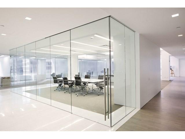 Staklene kancelarijske pregrade