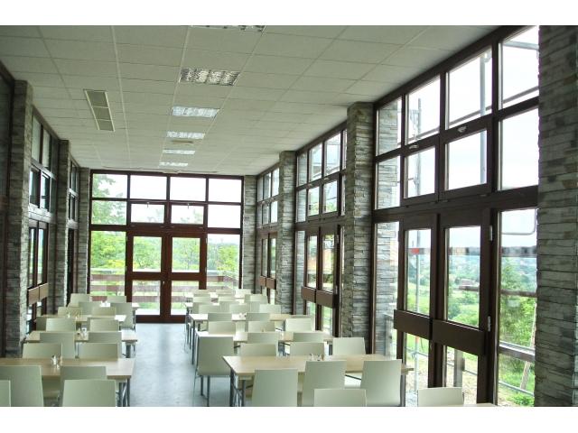 Drveni prozori i balkonska vrata - istrživačka stanica Petnica