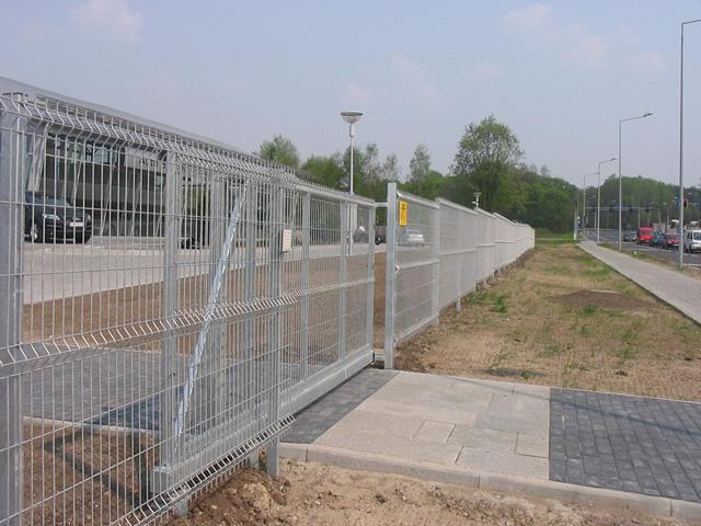 Samonosiva kapija i 3D panelna ograda