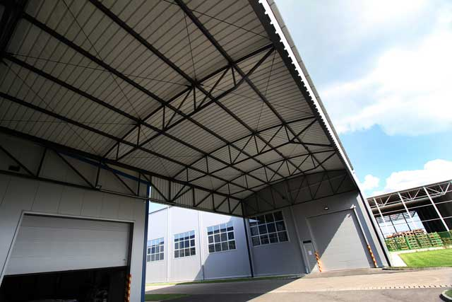 "Nadstrešnica ""Gasteh"" inđija, 251m²  - Izvedeni radovi: čelična kontrukcija, krovni pokrivač"