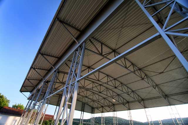 """Sportski objekat - dvorana """"Hotel """"Premier"""" Vrdnik - Izvedeni radovi: čelična kontrukcija, fasada, krovni pokrivač"""