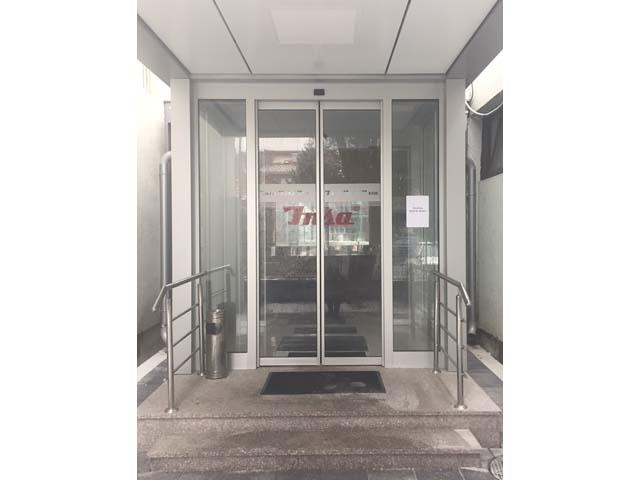 Automatska dvokrilna vrata - INSA glavni ulaz 2