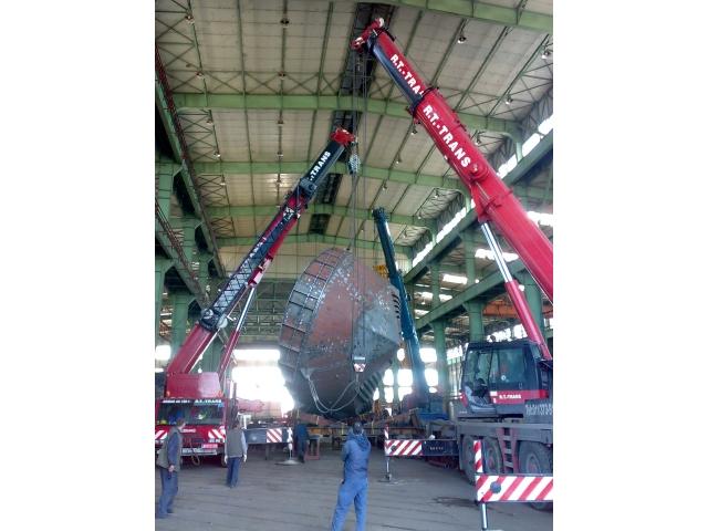 Brodogradilište Sava, Mačvanska Mitrovica - Okretanje broda pomoću tri autodizalice nosivosti 120, 100 i 80 t