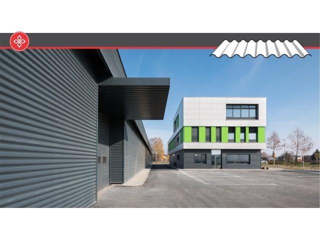 Pan sinusno profilisani limovi - Pan sinusni limovi od čelika i aluminijuma predstavljaju kvalitetno, elegantno i vizuelno uspešno rešenje za oblaganje modernih fasada. Upotreba sinusnih limova na fasadama omogućava veliku kreativnost i igru forme i kolorita. Pan Komerc sinusni profili proizvede se od bojenih ili nebojenih čeličnih i aluminijumskih limova debljine od 0.5/0.6/0.7/0.8 ili 1.0 mm. Visina sinusoidnog rebra može biti 18 mm (Pan-S18) ili 27 mm (Pan-S27).