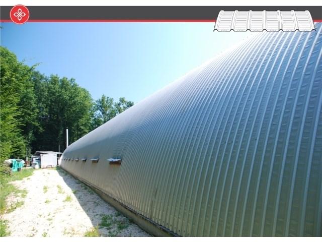 Pan lučno savijeni profilisani limovi - Prate liniju lučno konstruisanih nosača i obezbeđuju adekvatno tehničko rešenje za takve krovove, ili zidove silosa i hangara. Mogu biti izrađeni u trapeznoj (Pan-LT18 i Pan-LT40) ili sinusnoj verziji (Pan-LS18 i Pan-LS27), od aluminijuma ili čeka u bojenoj ili nebojenoj varijanti.
