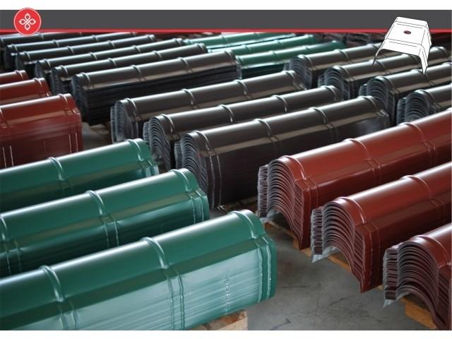 Opšivke i građevinski dodaci za krovove - Pan Komerc proizvodi sve vrste opšivki od aluminijumskog i pocinkovanog lima i to tačno prema crtežu koji dostavi korisnik u maksimalnoj dužini do 8,2 metra. U njihovim prodajnim centrima mogu se pronaći u standardnim dimenzijama sve Pan Komerc opšivke koje se najčešće upotrebljavaju u građevinarstvu: slemenjake, vetar lajsne, okapnice, opšivke zida, snegobrane kao i galanteriju za lakšu i bezbedniju montažu krovova: kalote, distanceri, alati...