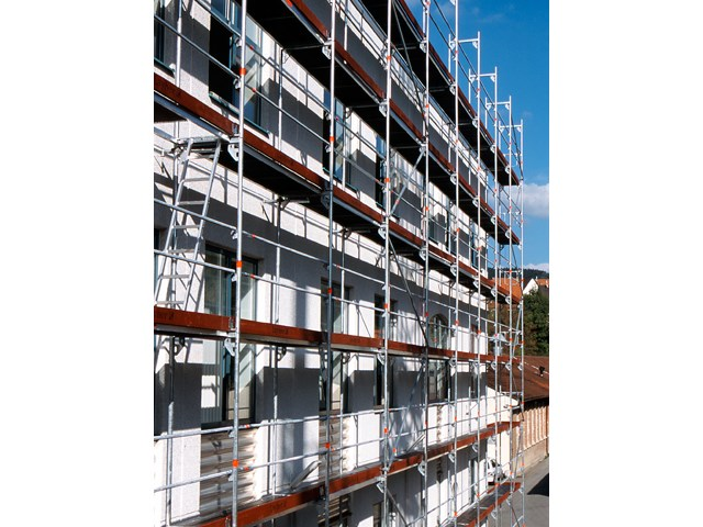 Layher Blitz fasadna skela na stambenoj zgradi 2