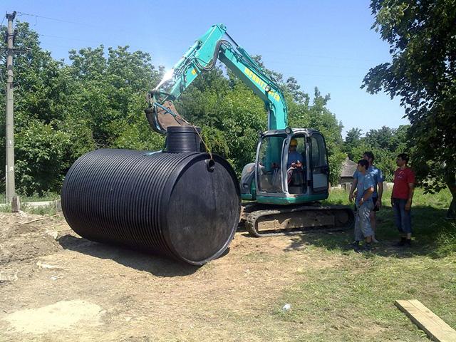 Ukopavanje horizontalnog rezervoara sa priključima
