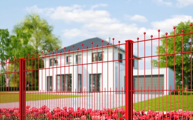 Premium ograda - crvena - Legi - Model koji u sebi objedinjuje estetiku ručnog rada, kovane ograde i modernu preradu prvoklasnih materijala od žice, te predstavlja jedinstven umetnički izraz, što ovaj proizvod izdvaja od ostalih. Dodatne karakteristike ovog proizvoda koje ga čine odličnim izborom za ograđivanje svih vrsta objekata jesu njegova izuzetno visoka stabilnost, dugoročna zaštita od korozije i visok stepen bezbednosti koji ovaj dizajn pruža.