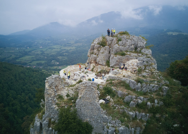 """Arheološki lokalitet """"Prizren"""", Mrkonjić Grad - Konzervacija kamenih zidova, 2018."""