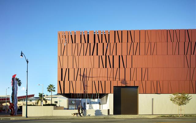 Fasadni paneli-Poslovna zgrada Wallis annenberg center, Beverli Hils, SAD