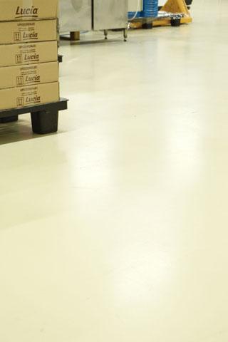 Samorazlivajući epoksidni pod u proizvodnoj hali fabrike Čokolend u Paraćinu