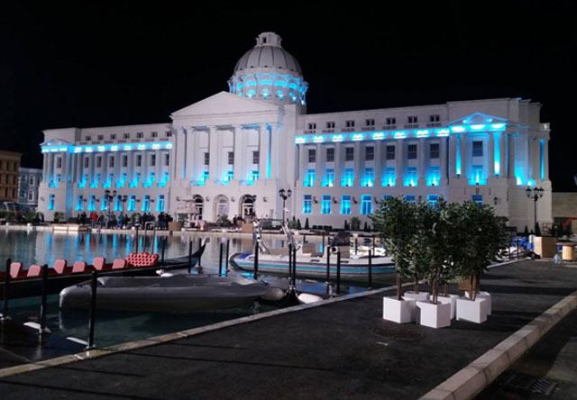 Dekorativno osvetljenje replike gradske kuće City Hall, u sklopu studija PFI u Šimanovcima