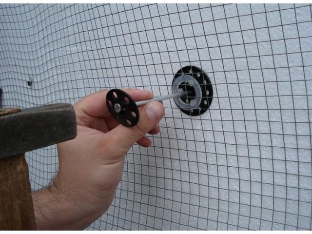 Pečurkasti tipl za rabic pletivo preko termoizolacionog sloja