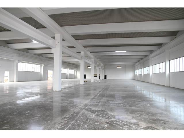 Poslovno-proizvodni objekat STIRG METAL Inđija, površina 2.345,00 m² 2011 god. - Izrada, transport i montaža prefabrikovane betonske konstrukcije, fasadnih panela i krovopolagačkih radova