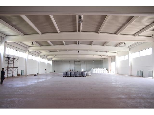 Skladišni objekat KRISTAL SO Krnješevci, površina 4.070,00 m²  2011 god. - Izrada, transport i montaža prefabrikovane betonske konstrukcije i fasadnih betonskih panela