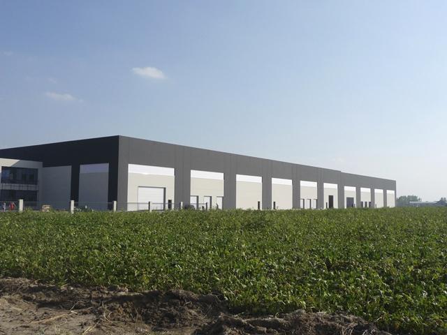 Skladišni objekat OPEN MIND Šimanovci, površina 17.700,00 m²  2010 god. - Izrada i montaža prefabrikovane betonske  konstrukcije zajedno sa pripadajućim temeljima, izrada i montaža krovnog pokrivača, izrada i montaža fasadnih betonskih panela