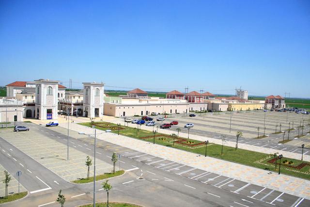 Outlet centar Inđija - 2011 godina, 19.700m²