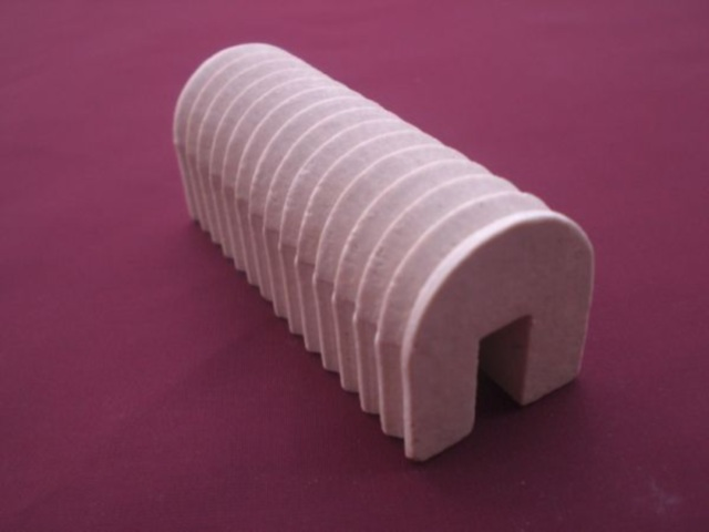 Porcelanski proizvodi - Nosač otpornika sa 14 žljebova (58x23)