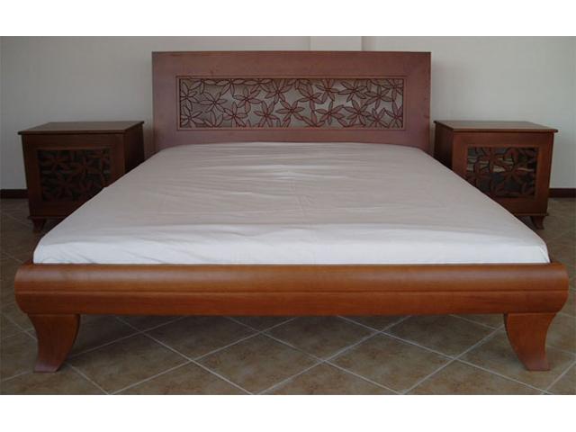 Bračni krevet od punog drveta