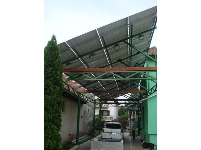 Solarni paneli na nadstrešnici