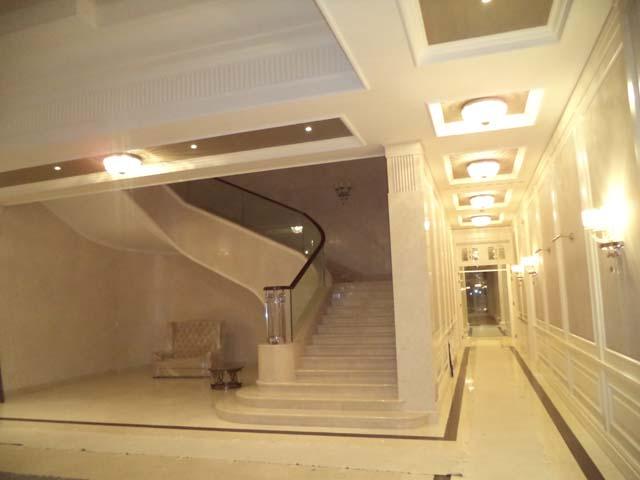 Stepenice LE 2 i prvi koridor prema SPA zoni - privatan objekat u Rusiji