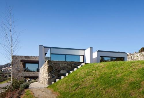 Trošna kamena seoska kuća u Portugalu dobila moderan izgled - Gradjevinarstvo.rs